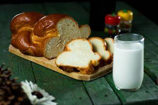 milk breakfast scone milkandcake food green rustic composition woodtable foodphotography greenwood