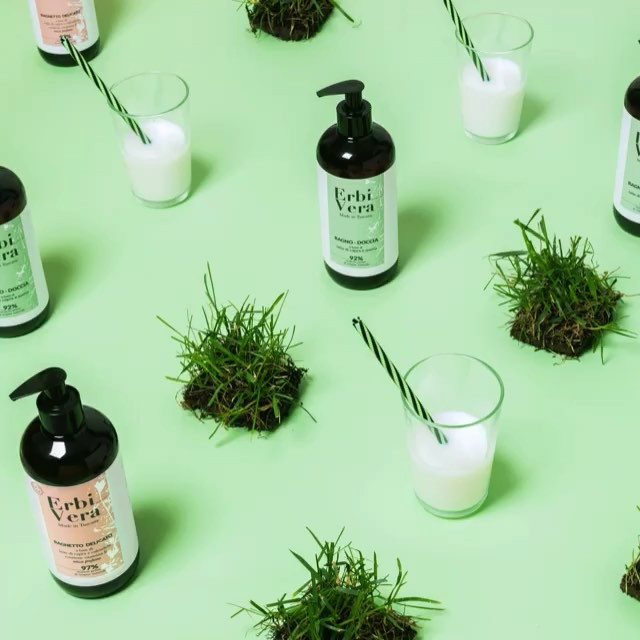 cosmetics productphotography advertising soap goats advcampaign biocosmetics stilllifephotography green milk