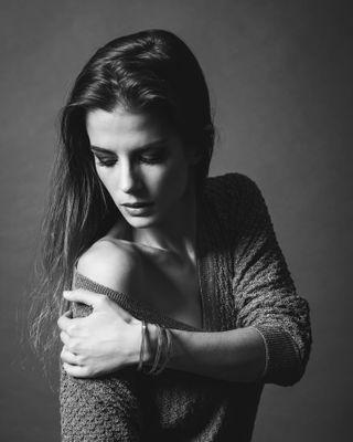 smilingagency blackandwhite lifestylemodel belgianmodel portraitmodel studiophotography models photography