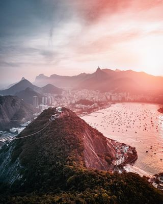 videonauti sunshine madeofocean lonelyplanet riodejaneiro photographylife oceanvibes beautifuldestinations brasile colorhunters travel passionpassport visualoflife teal passportexpress skyporn earthofficial brazil earthfocus travelgram djimavicpro instagood drone ig_color travelawesome islandlife sunrise_and_sunsets agameoftones sunsetsniper