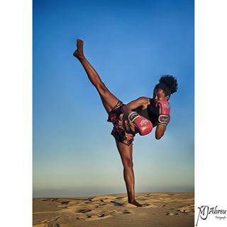 fighttraining womansport shooting sportphotography strong sport training fight braziliangirl beauty mjabreu nikond750 beach boloniabeach woman