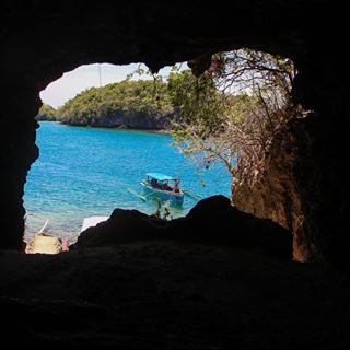 blue relax peek calm philippines travelph sky seascape summer alaminos landscape tourist travel 100 island ph park sea green cave tropical pangasinan paradise hundred islands water to city national