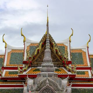 details asia up roof thailand architecture temple thai structure travel welcometoasia bangkok buddhist point bkk detail