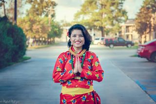 traditionalattire smilygirl potraitphotography mysterious gunyucholo goodfriends batonrouge_photographer batonrougecolor