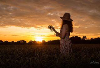 straw agriculture wheat cereal crop farmland skyhub crops wheatfield farm photoshoot portraitphotography modelshoot skylovers harvest sunrise farmer farmgirl hay