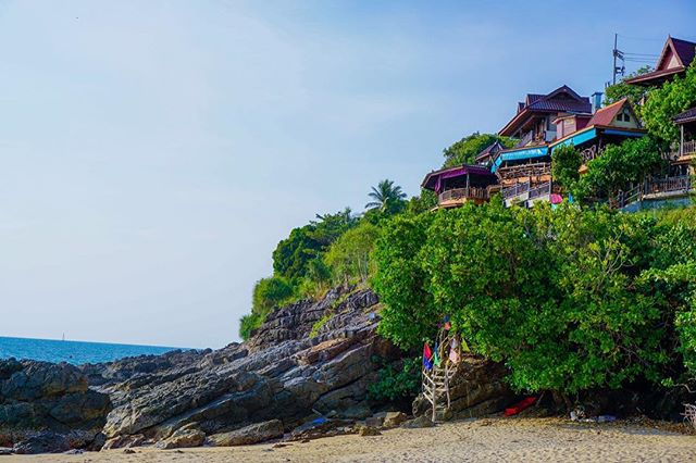 view travels traveldiary thailand sonyalphasclub sonyalpha sonya6000 sony photooftheday photography oceanview nature kolanta kantiangbay instapic colors colorful bungalows