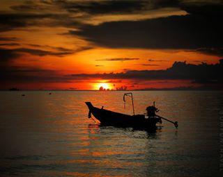 summer lovelife dmfuntravel tailandia2017 boat like canonistas travelcommunity kohtao island souvenir canong3x moments living sunset life seawater kings_transports beautiful sea thai photography travel