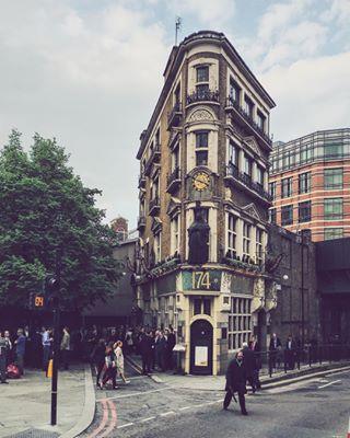 inglaterra uk spring spring2016 arquitectura london mobilephotography vscocam iphoneography primavera iphone6splus architecture somethingbeautiful england academy streetphotography vsco