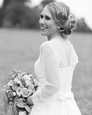 weddingday beautiful weddinginspirations canonphotography gettingmarried truelove happy blackandwhite happiestday bride weddingflowers weddingdress canon smile lexarmemory