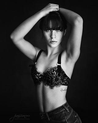 workshop stuttgartphotographer stuttgart portrait passionpunktpics passion lingerie frau fotoshooting fotografin fotografie coaching boudoir ausbildung