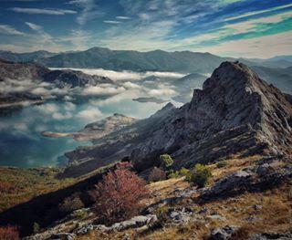 trailrunning lifestyle landscape running nature