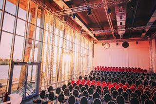 thisisthefuture silkeheyerphotographie opernloft location hafenhamburg elberoperung blickindiezukunft
