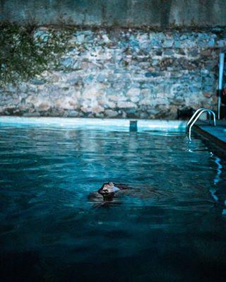riodejaneiro rest nighttime swim pool bluewater dark blue cosmevelho rj