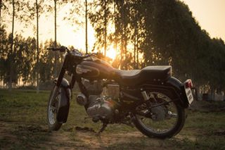 royalenfield sunset bullet350 punjabi photo ludhiana bullet light sun pb photooftheday punjab photography standard royal photoshop