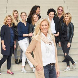 beautifulgirls beauty bestefreundinnen d750 flashphotography hss hyattdüsseldorf junggesellinnenabschied