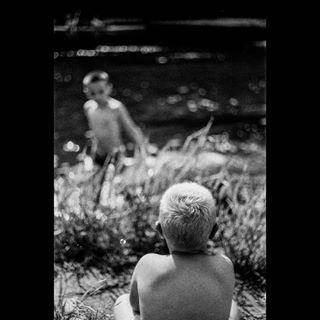 grey instagram 50mm cherrydeck photographer project grain river school fineart bw bnw kids lightroom filmisnotdead family blackandwhite camping light canona1 canon