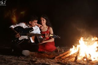 photographer reelonchemistry candidphotography bonfire weddingsutra prewedding candid couplegoals groom bride portraits guitar weddinginspiration popxodaily thebridalaffair weddingphotography couple wedmegood candidphotographer indianwedding shaadi