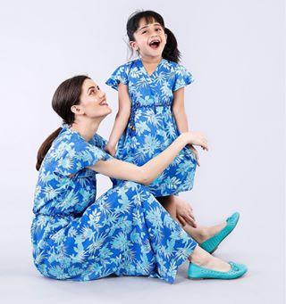 happy momlove photographerjob colour photooftheday momanddaughter photography matching dresses styling model catalogshoot love