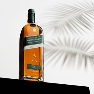 whisky whiskey quebec productphotography product photoproduit photographer mtl montreal johnniewalker islandgreen canada bourbon blend