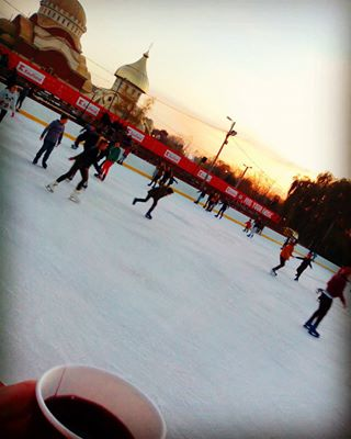 bucuresti ig_romania fun schaatsen iceskating instamood wine igersbucharest boiled gluhwein ig_bucharest ice romania bucharest weekend cold experienceromania koud