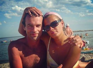 sea tanned instasea ig_romania mygirl cuddle beach instabeach litoral romania timetorelax vacation youandme inthesun atthesea happycouple together strand