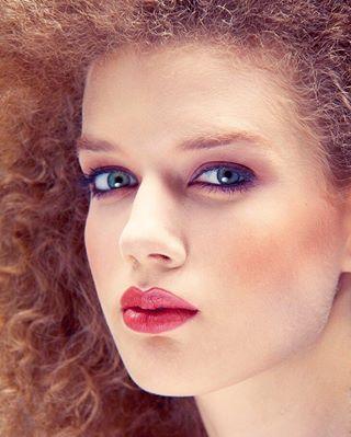 photographerinbudapest portfolio фотографвбудапеште портрет снимукрасиво face korsakstudio youngbeauty portrait beauty closeups
