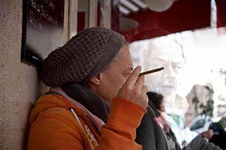 matin bonnet cafe portraitphotography portrait orange cigare paris
