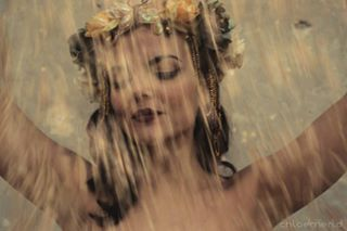 flowers chloemeridshoots fashionphotography burlesqueperformer nofilter burlesque fairy peaceful longexposure gold shooting goldrain whatsbehind