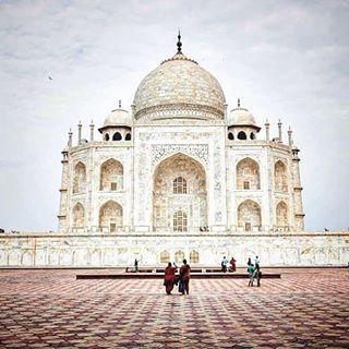 agra nomad architecture india bucketlist travel magical love girl tajmahal aroundtheworld instagood worlheritage