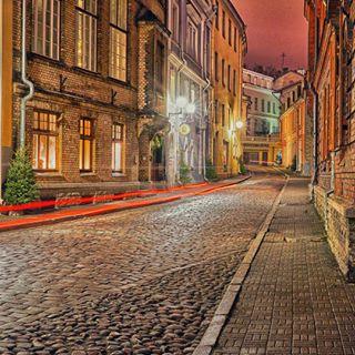 sonyphotography photooftheday tallinn night oldtallinn street tallinngram oldcity estonia sonypictures visitestonia estonia2016 sonya7 longexposure