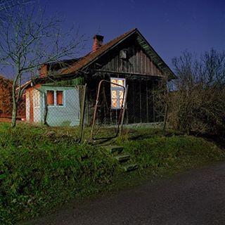 night summer landscapephotography woodenhouse fullmoon