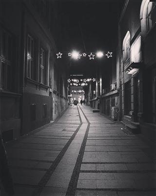 walks urbex urbanphotography urban underground tour street stone steel rust nikonphotography nikon negative lights explore exploration decay dark broken bricks bnw beograd belgradewalker belgradephoto ancient abandoned