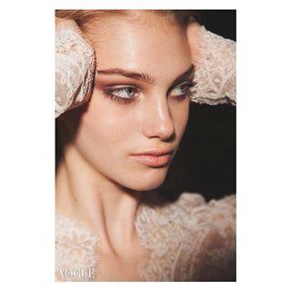 🎥 👗 💄 📸 💁🏼♀️ eskuvo2018 eskuvoifoto eskuvoiruha fashion fashionphotographer fashionphotography photovogue vogue vogueitalia vogueitaly weddingdress