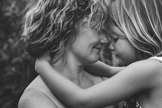 realkids mother mom girls portrait motherhood daughter loveis motherdaughterportrait embrace kids
