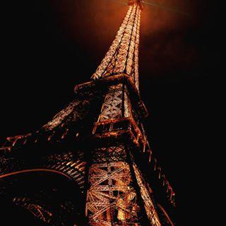 zmphotography ironlady light night eiffeltower france repost paris landscape handheld