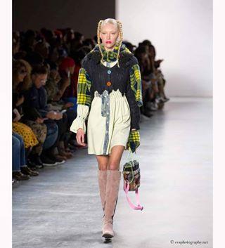 fashionindustry makeup designer fashionweek evaphotography sunsen fashionbloger models runway instafashion nyfw