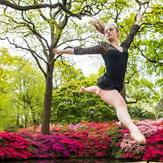 englishsummer london dancer rhododendrons richmondparl locationphotography beautyinstrength arianabryantfitness outdoorphotography floraandfauna dance