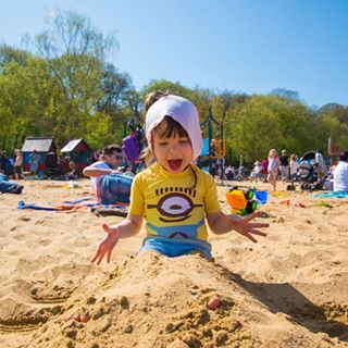 unifoherts capturelife familyfun puredelight uhcreatives minionlove younglife familyphotography beachfun documentary sillymoments lovethelittlethings uh sunnydays