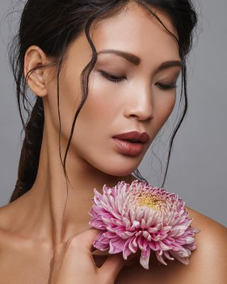 beautyphotography magazine stuttgart albabrari ollilozano hensel model asianmodel vietnamgirl blackandwhite monochrome tiienvu beauty beautymodel