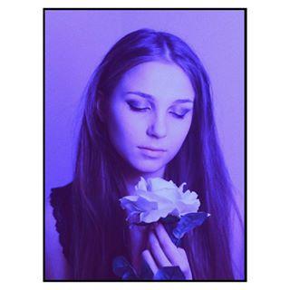 portraitphotography friends photography portrait roses love