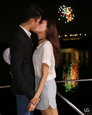 johorbahru kiss jbwedding harbour yes canon nikon romantic proposal fireworks livegallery sony black lifeevent puterihabour shesayyes event white jowingo jb ring