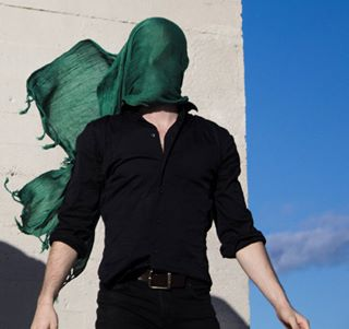bleu lecorbusier anphoto blue foulard vent toit malemodel scarf ciel citeradieuse vert wind echarpe antiportrait rooftop green modelesmasculin marseille fisheyelemag sky anphotography