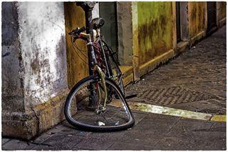 streetphotography photography dalì italy rome photo photostreet bike photographer