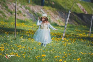 zvornik spring photo nature grass girl