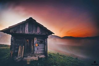 ic_landscapes needtoescape naturekillerz rural roamtheplanet lensbible romaniapitoreasca apusenimountains discoverbalkania unseenromania we_love_romania travelshotba ig_romania sunrise earthpics romaniamagica descopera topromaniaphoto colors traveladdict travlink romania_online ruralexploration landscape_captures natureonly romaniainpics