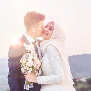 bride sun melikatursic smile weddingday kiss sunset love groom happiness canon📷