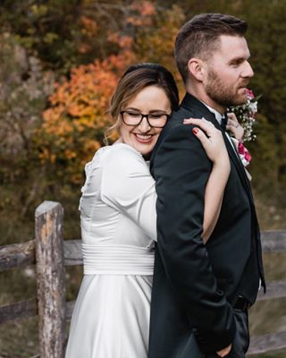 fall elegant love beatiful bride junbugwedding autumn couplegoals purelove weddingdress romantic weddingday colorful couple hug groom canon📷 orange nature melikatursic belovedstories romance happylife