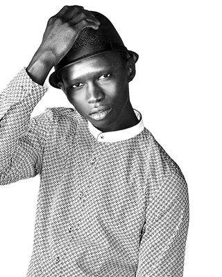 topmodel styling monochromatic malemodel karacter fernandocabral fashionphoto fashioneditorial fashion difmag blackmodel blackandwhite
