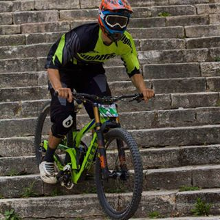 helmetfox downhillmountainbiking downhill fox scottbike nigthfox okley
