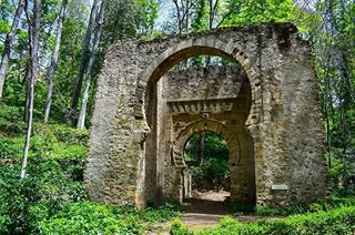 abandonned abandonnedplaces ancient beautiful doorway fairytale fairytalephotography green history love nature naturephotography nikon photooftheday portal